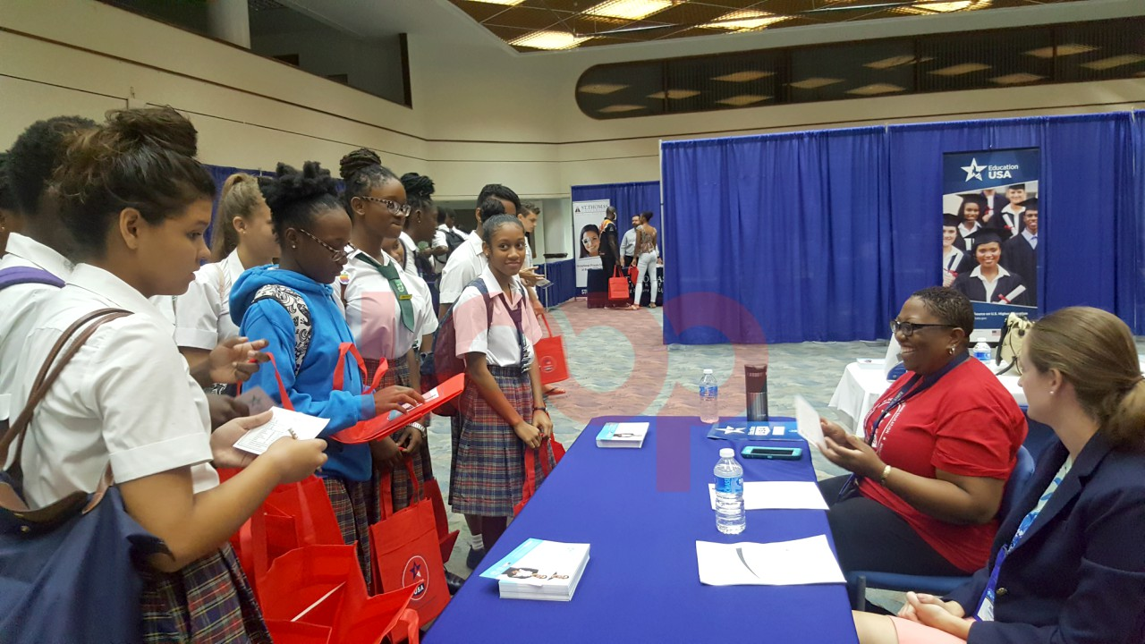 Students of St. Ursula's - Senior Girls speaking with EducationUSA advisors.