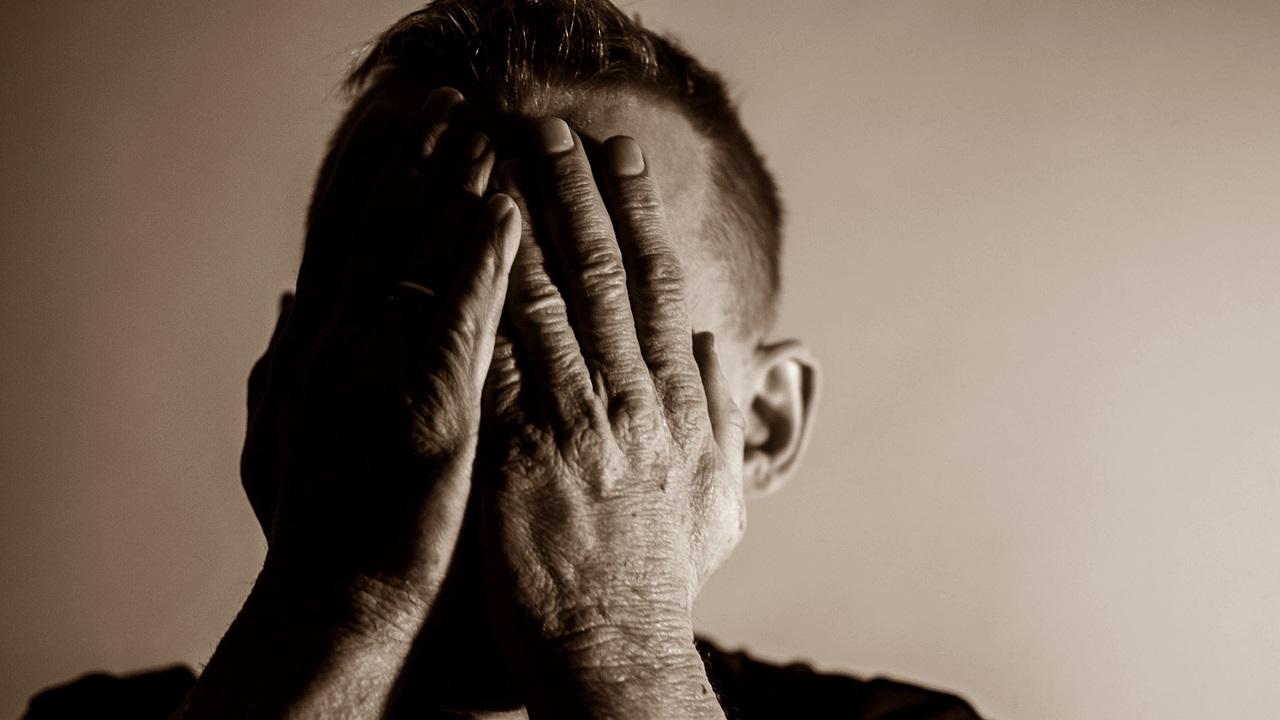 Indien onbehandeld, zijn ezelfde symptomen van depressie bij vaders is terug te zien bij de kinderen. Foto: Pixabay