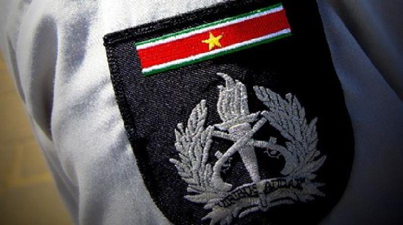 Verder onderzoek wees uit dat de travestiet illegaal in Suriname vertoeft. Op grond hiervan is hij in afwachting op zijn uitzetting in vreemdelingenbewaring genomen.