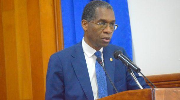 Le ministre des Affaires étrangères, Antonio Rodrigue