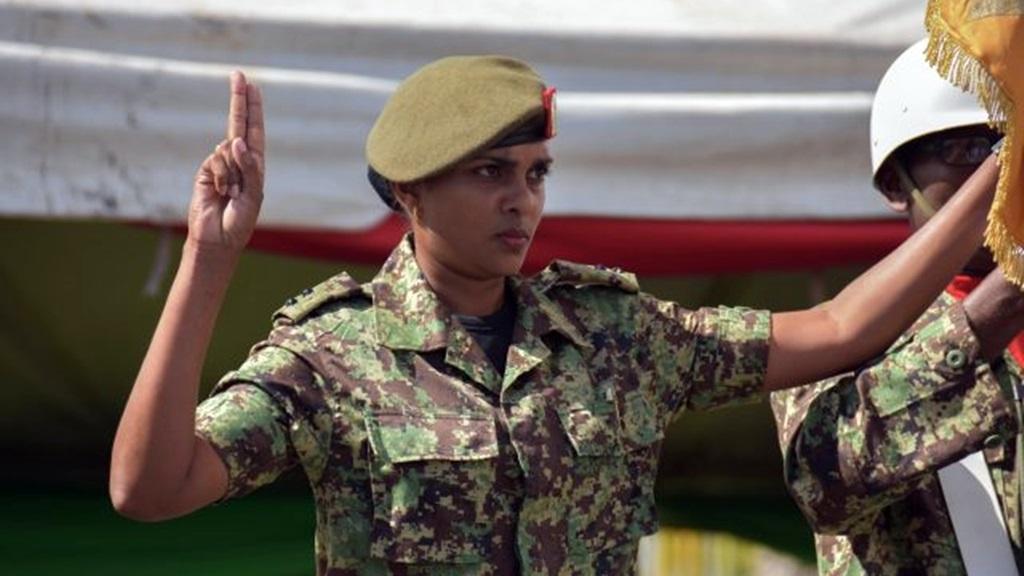 Eerste luitenant Ratna Ganpat bij de ceremonie. Foto: NII