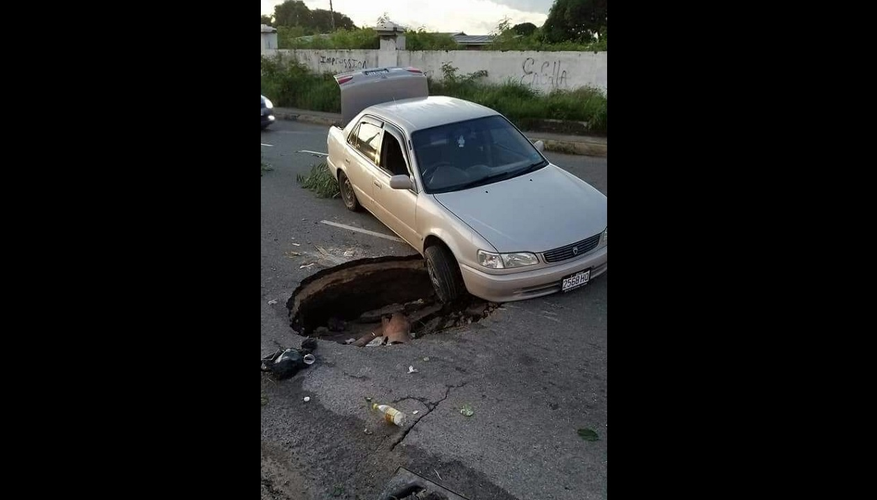Image being circulated on social media purportedly of the collapsed section of the roadway along Washington Boulevard.