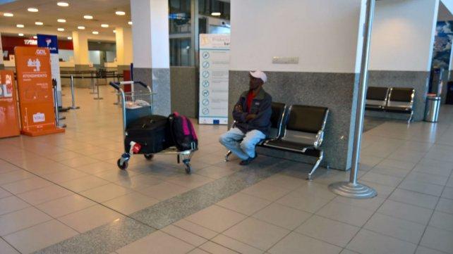 Herns Fremont, bloqué dans un aéroport en Argentine depuis 7 jours. Photo : La Capital