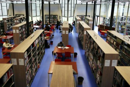"""AFP/Archives / CHARLY TRIBALLEAU  Passer de lycéen à étudiant ou d'étudiant à employé, sont des moments """"propices au développement du sentiment d'imposture"""""""