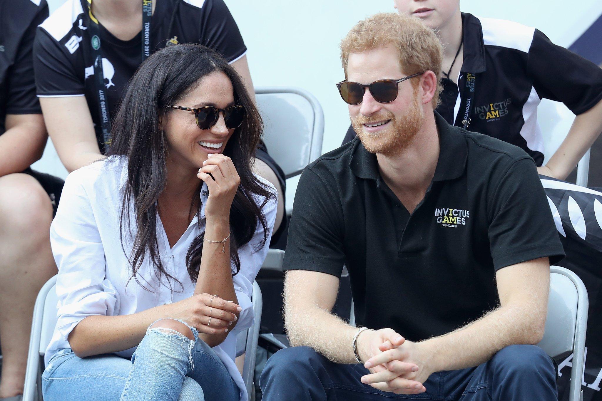 Het stel heeft sinds juni 2016 een relatie. Prins Harry had Meghan Markle leren kennen in Toronto bij de lancering van de Invictus Games.