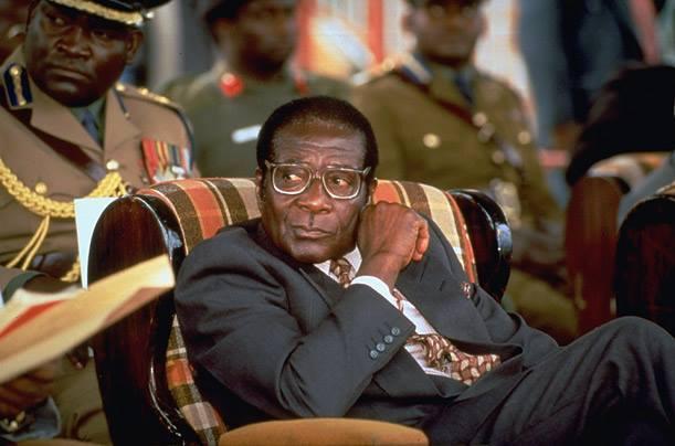 Emmerson Mnangagwa dissout le gouvernement Mugabe — Zimbabwe