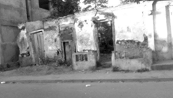 La maison, délabrée, de l'ancien président Davilmar Théodore à Ouanaminthe./Photo: mhaiti.org