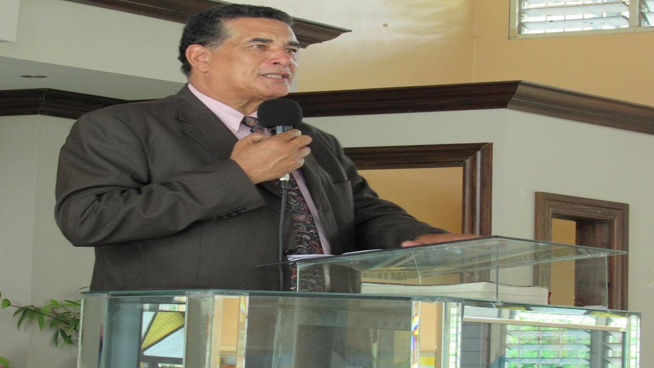 Mayor of Montego Bay, Homer Davis speaking at a church service on Sunday.