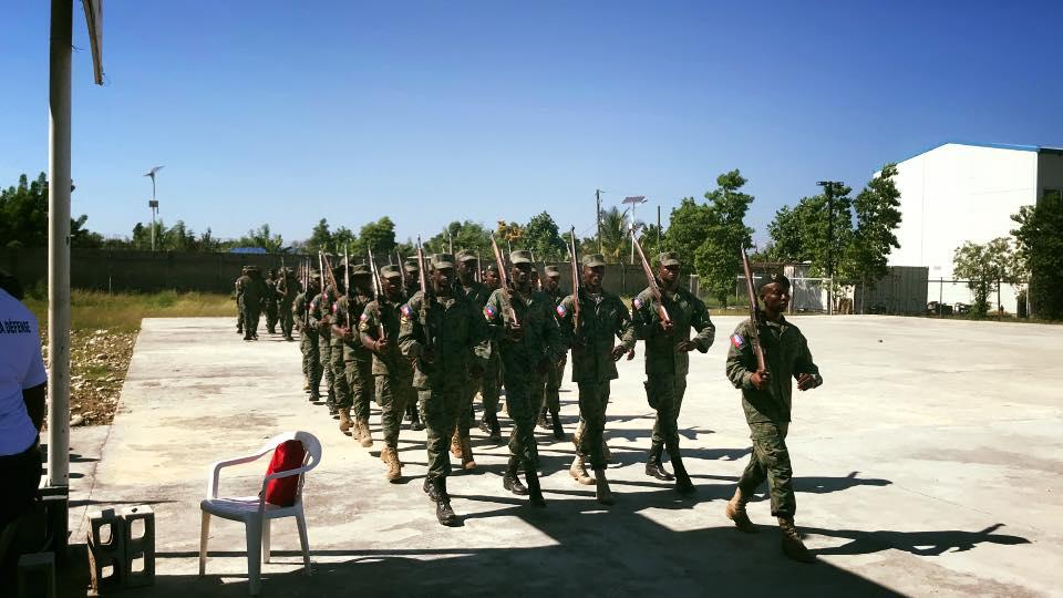 Le Commandant en Chef de l'Armée d'Haïti visite sa Base de Léogâne, Photo : Page Facebook du Ministère de la Défense