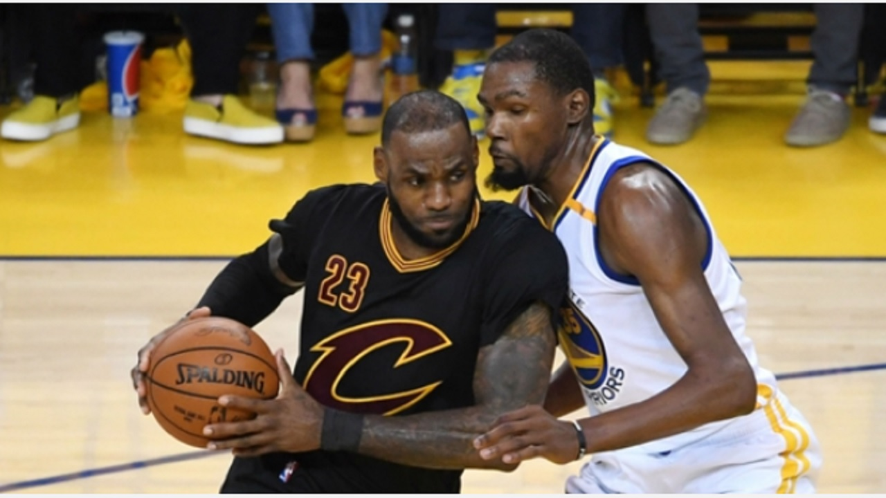 LeBron James (left) of Cleveland Cavaliers and Kevin Durant of Golden State Warriors.