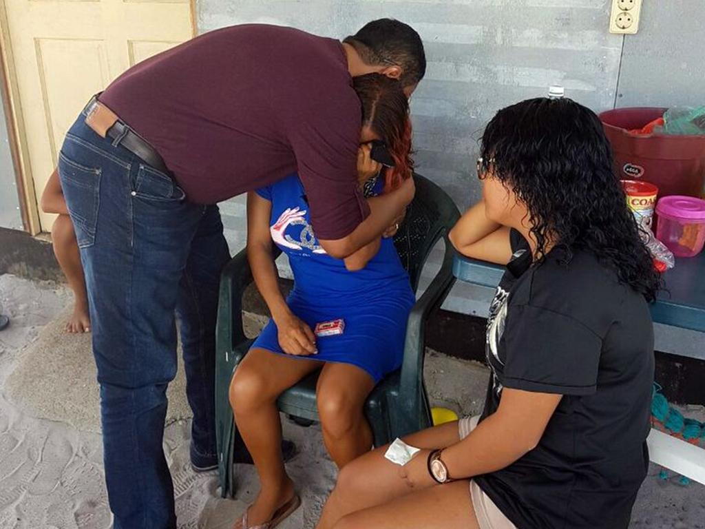 De burgervader condoleerde de nabestaanden en beloofde contact te onderhouden met hen gedurende de periode van rouwverwerking. (Foto: BIC/DC Para)