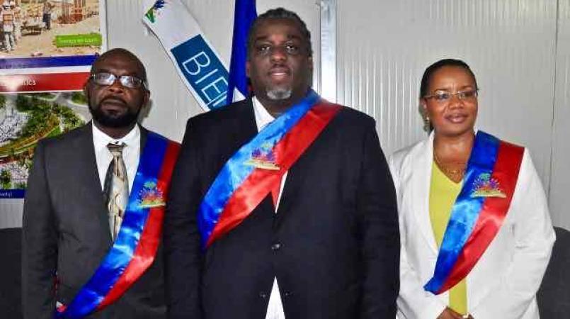 Les membres du conseil de l'administration communale de Port-au-Prince.