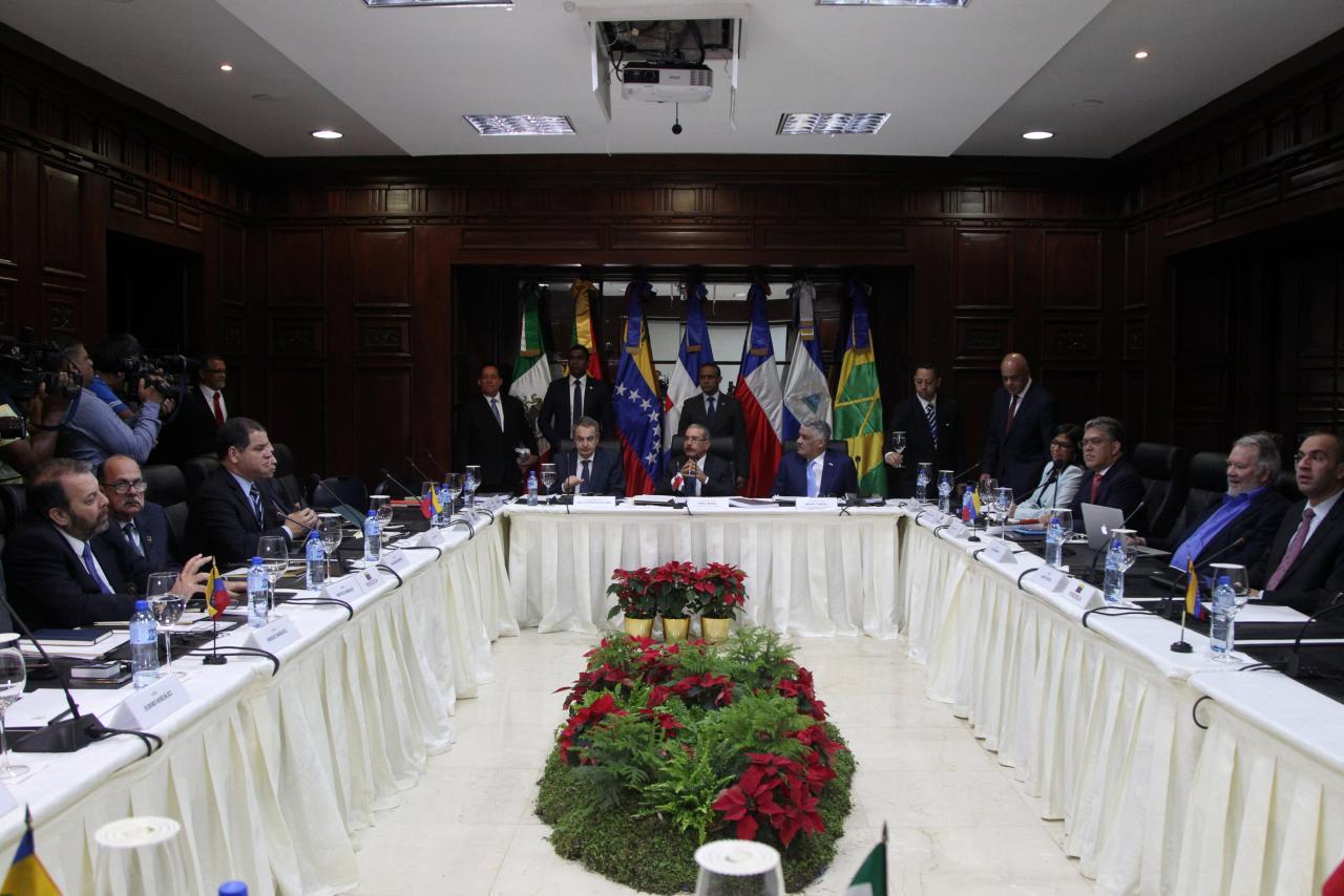 Une vue d'ensemble du gouvernement vénézuélien et de l'opposition à Santo Domingo, en République dominicaine, le 2 décembre 2017. Photo: REUTERS / Ricardo Rojas