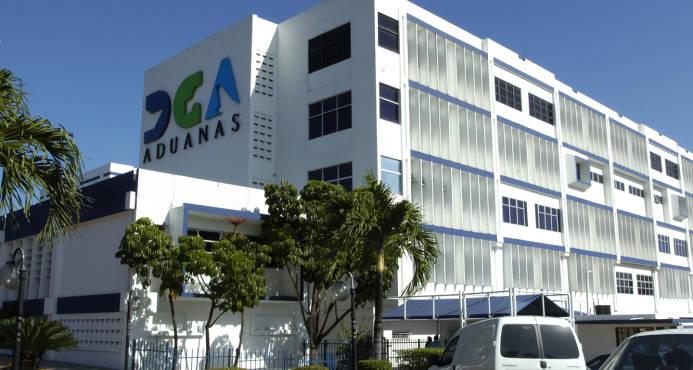 La façade de la Direction Générale de Douanes (DGA) de la République dominicaine. Photo: Diaro Libre.