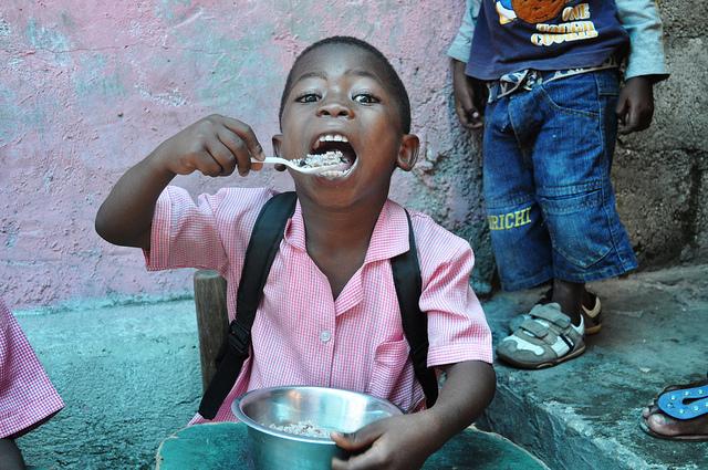 Élève à Cité-Soleil. Photo 7 Avril 2011. Photo ; Mission Norvégienne des Nations Unies en Haiti