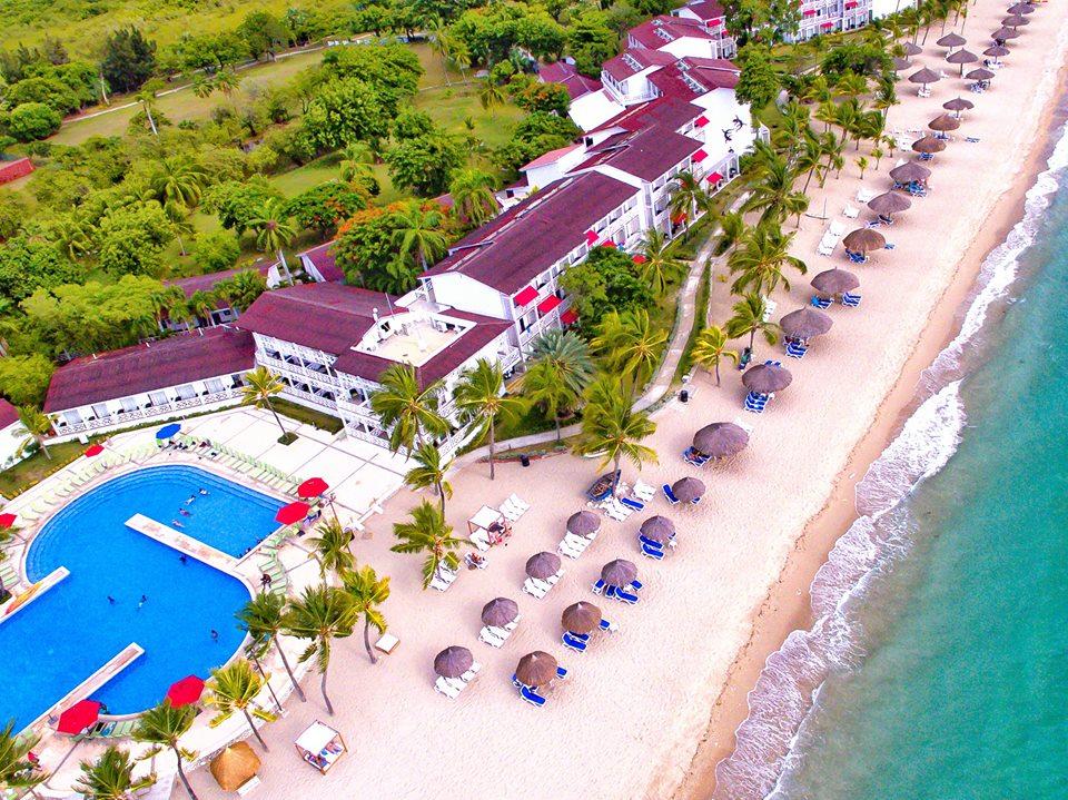 Vu d'en haut de l'hôtel Royal Decameron Indigo en Haïti. Photo: Facebook/Decameron Haiti.