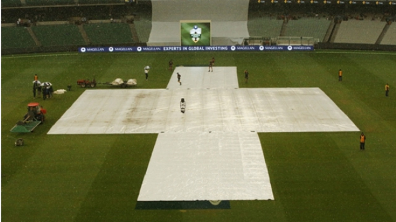 Rain halts play on day four of the fourth Ashes Test in Melbourne.