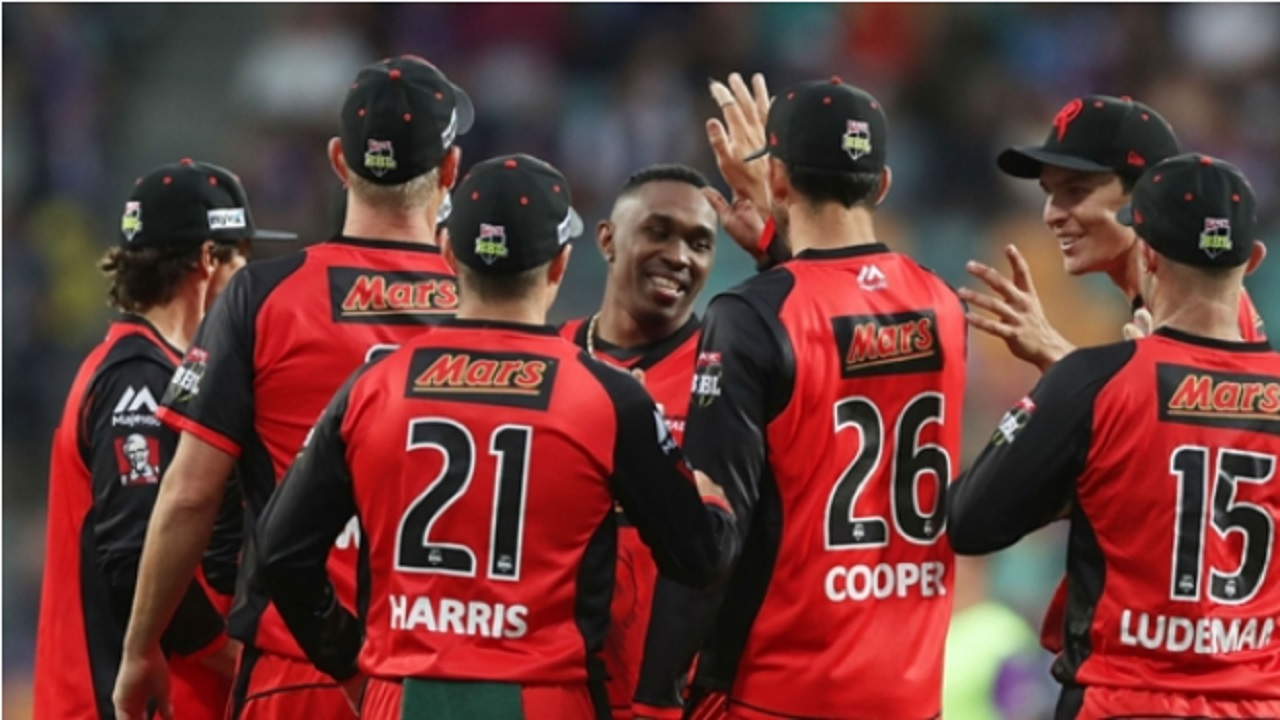 Dwayne Bravo takes record wicket haul as Renegades easily account for Hurricanes