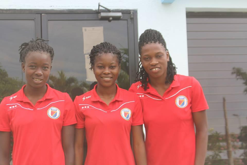 Sherly, Ketna et Batcheba en route vers la France et le Club FF ISSY LES MOULINEAUX de la 2e division du football feminin français. Photo: FHF