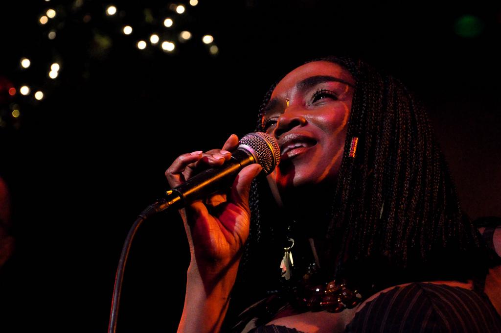 La chanteuse haïtienne Émeline Michel. Photo: Fernanda Faya