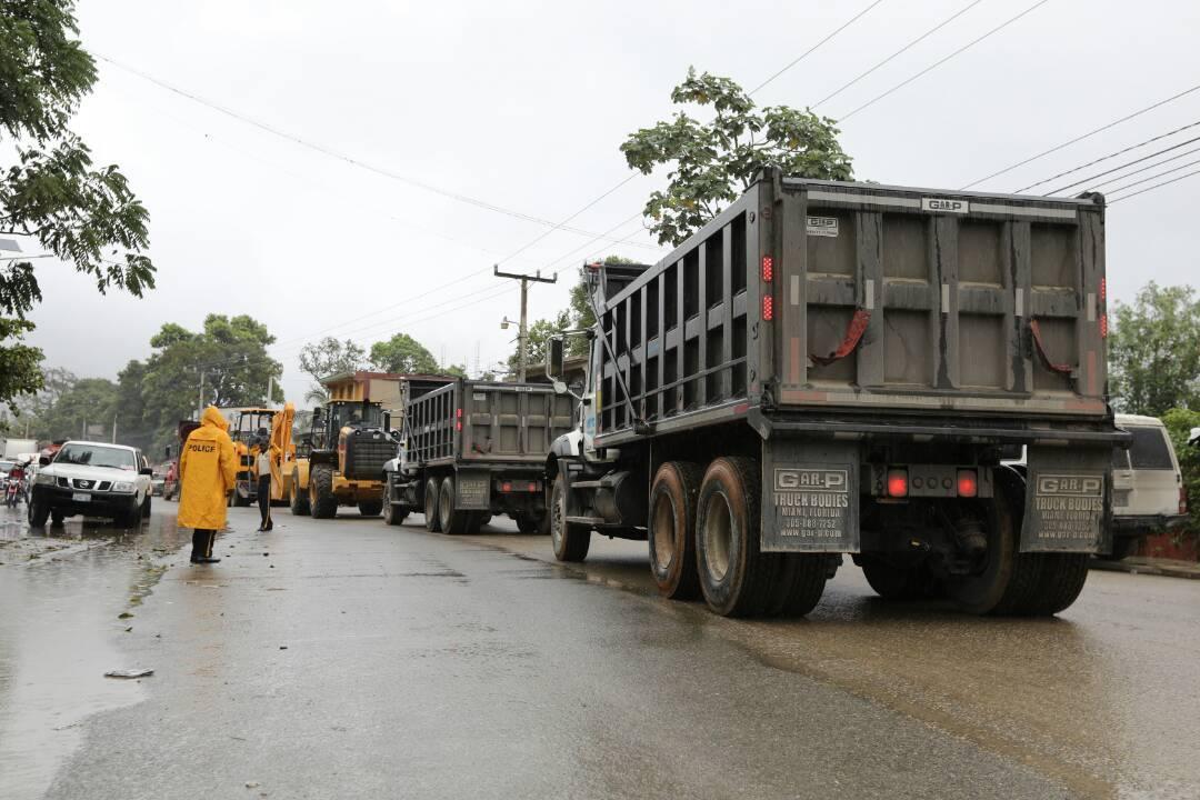 Remise d'équipements à la Mairie du Cap-Haïtien et à la direction départementale du Nord. / Photo: Page Facebook Président Jovenel Moise.