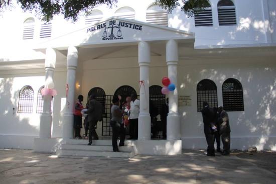 Façade du Palais de justice de Petit-Goave. Photo: Haiti Libre