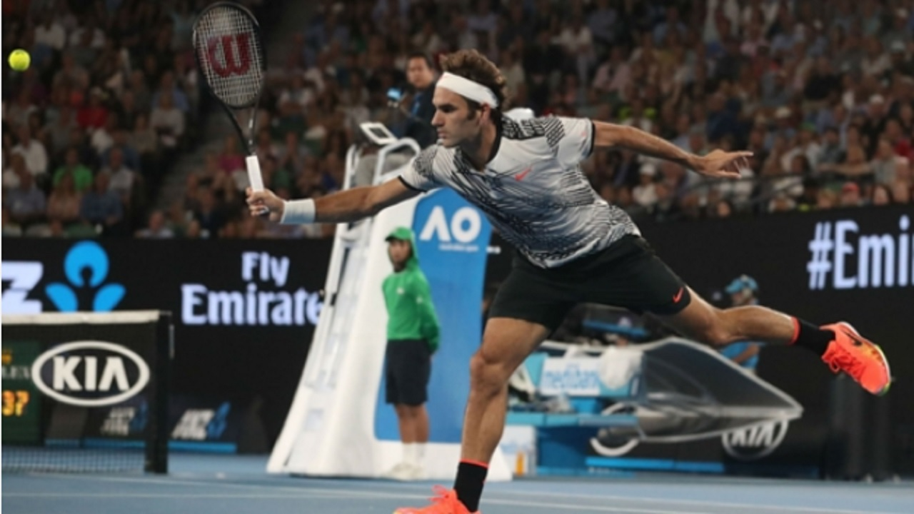 Roger Federer playing in the 2017 Australian Open final.