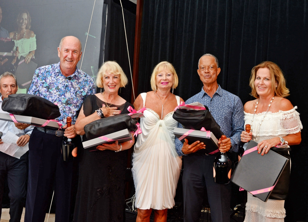 Golf Tournament Winning Team: Gay Smith (presenter), Judy Kershaw, Peter Harris, Trishe Abbott and Russ Abbott.