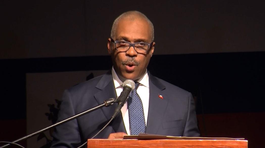 Le Premier Ministre Jack Guy Lafontant, dans son discours, au lancement du forum des comités locaux