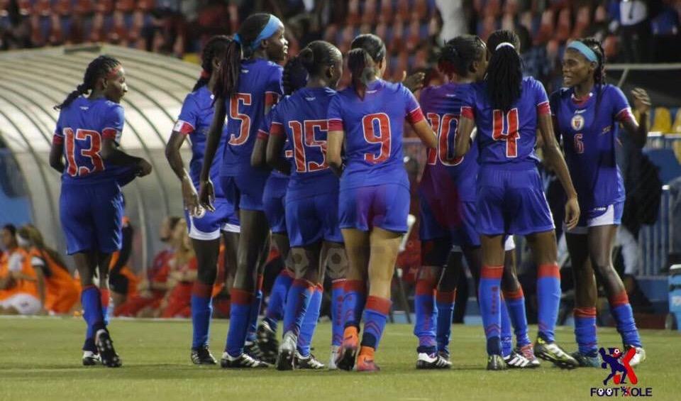 Nos grenadières après le sacre de la Coupe Caraïbe féminine 2017, octobre 2017. Photo: Foot Kole