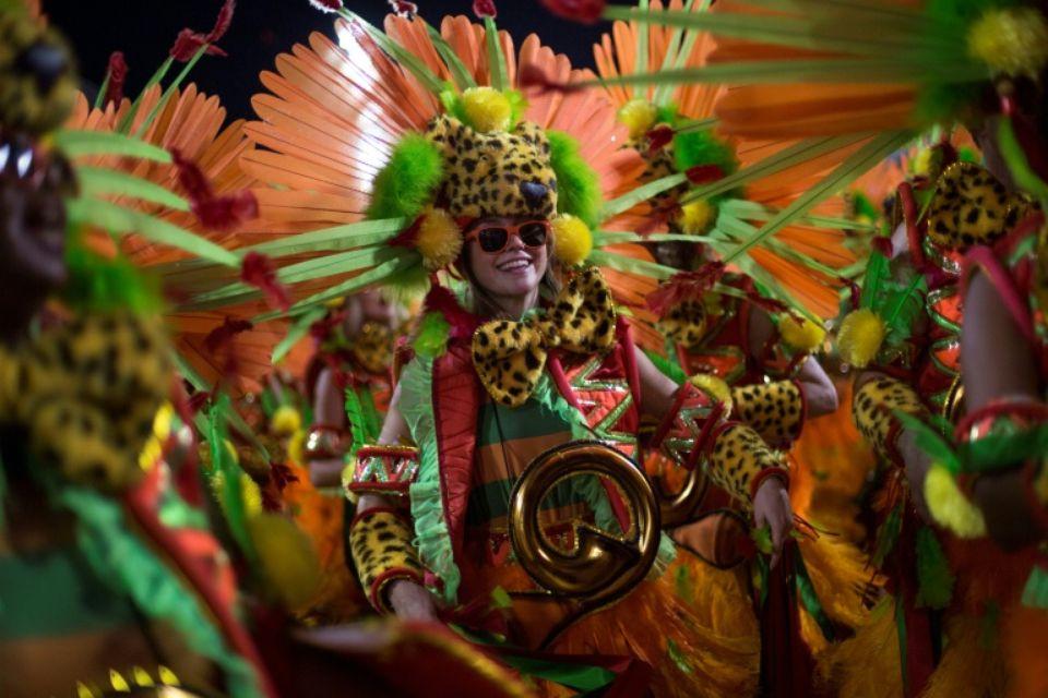 Une danseuse de l'école de samba Grande Rio lors du défilé sur le sambodrome du Carnaval de Rio, le 12 février 2018 au Brésil. Photo: AFP / Mauro PIMENTEL