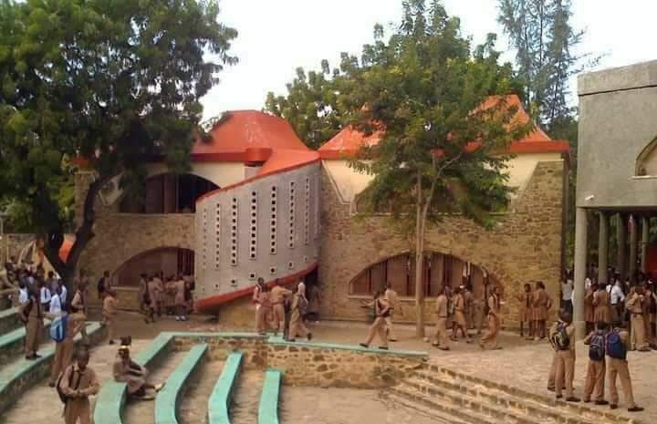 Le bâtiment mythique logeant le Lycée Tertulien Guilbeau (LTG) à Port-de-Paix, fondé le 23 février 1971.