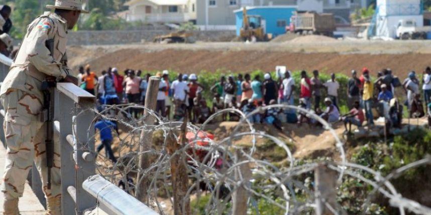 Militaires Dominicains à la frontière. Photo : Loop Haïti.