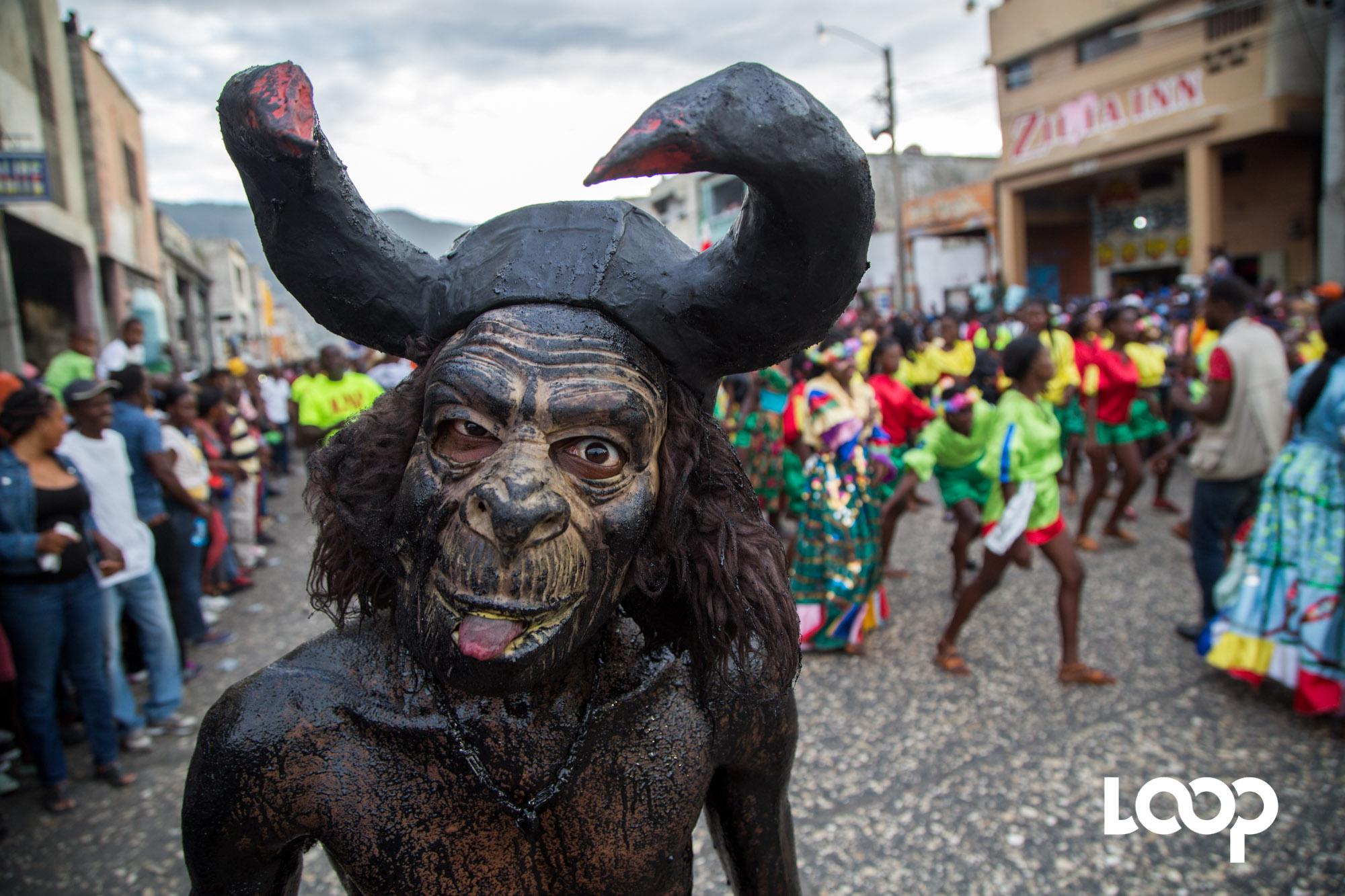 Dimanche 11 février 2018, premier jour gras du Carnaval national 2018. / Estailove St-Val/LoopHaïti