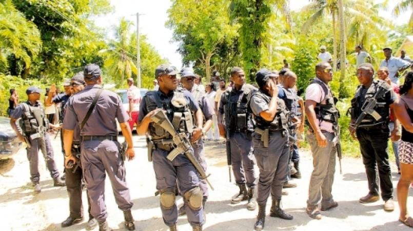 Loop file photo of Jamaican cops during a police operation.