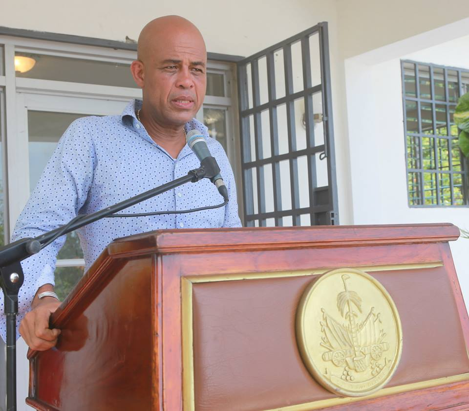 """Michel J. Martelly, ancien président d'Haïti, s'en prend à Youri Latortue pour ses """"coup bas"""". Photo: Facebook Michel Martelly"""