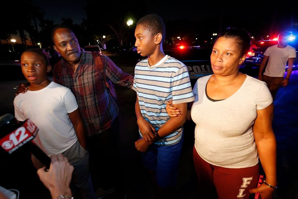 Un jeune haïtien parmi les survivants de la fusillade aux Etats-Unis. Photo:VOA Kreyòl