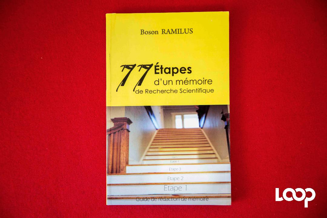 Image du livre du professeur Bosson Ramilus. Photo: Loop Haïti/Estailove St-Val