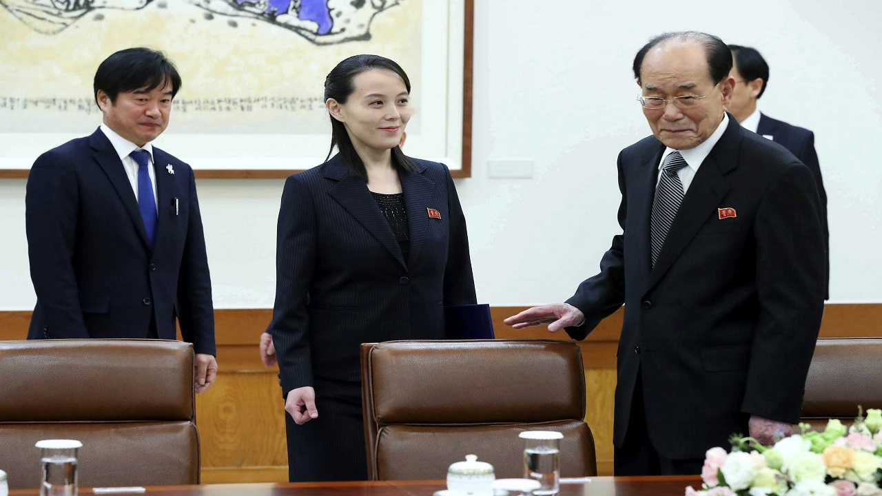 Kim Yo Jong, center, sister of North Korean leader Kim Jong Un, and the country's nominal head of state Kim Yong Nam, right, arrive to meet South Korean President Moon Jae-in at the presidential house in Seoul, South Korea, Saturday, Feb. 10, 2018.