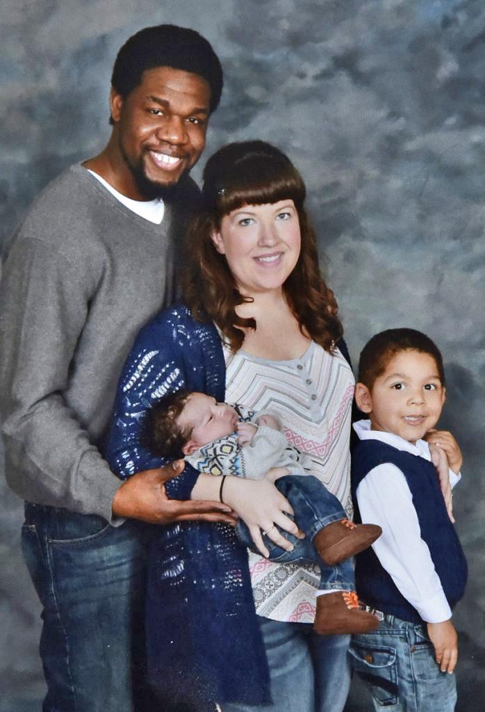 Lexius Saint Martin, sa femme Mindy et leurs fils, Marcus, à gacuehe, et Donovan dans une photo non datée.