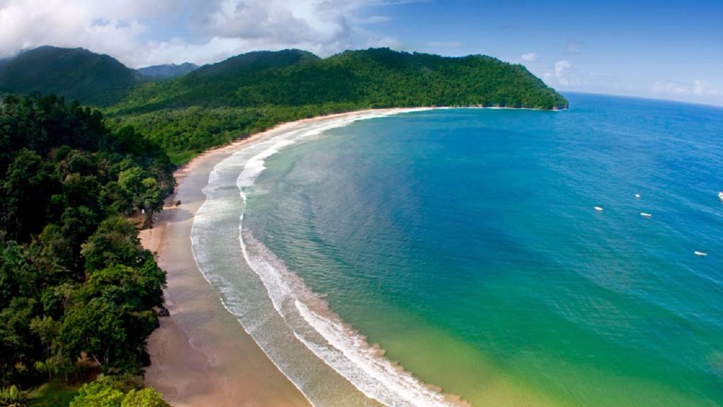 Las Cuevas Beach, Trinidad.