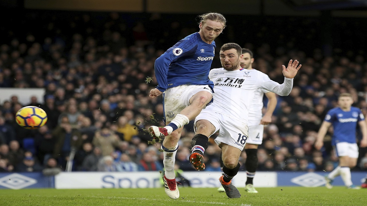 Everton's Tom Davies scores his side's third goal of the game during the Premier League football match against Crystal Palace at Goodison Park, Liverpool, England. Saturday Feb. 10, 2018.