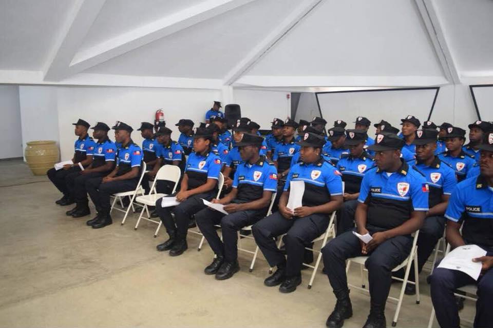 54 nouveaux Agents dans les rangs de la Police Touristique en Haiti / Photos: PNH