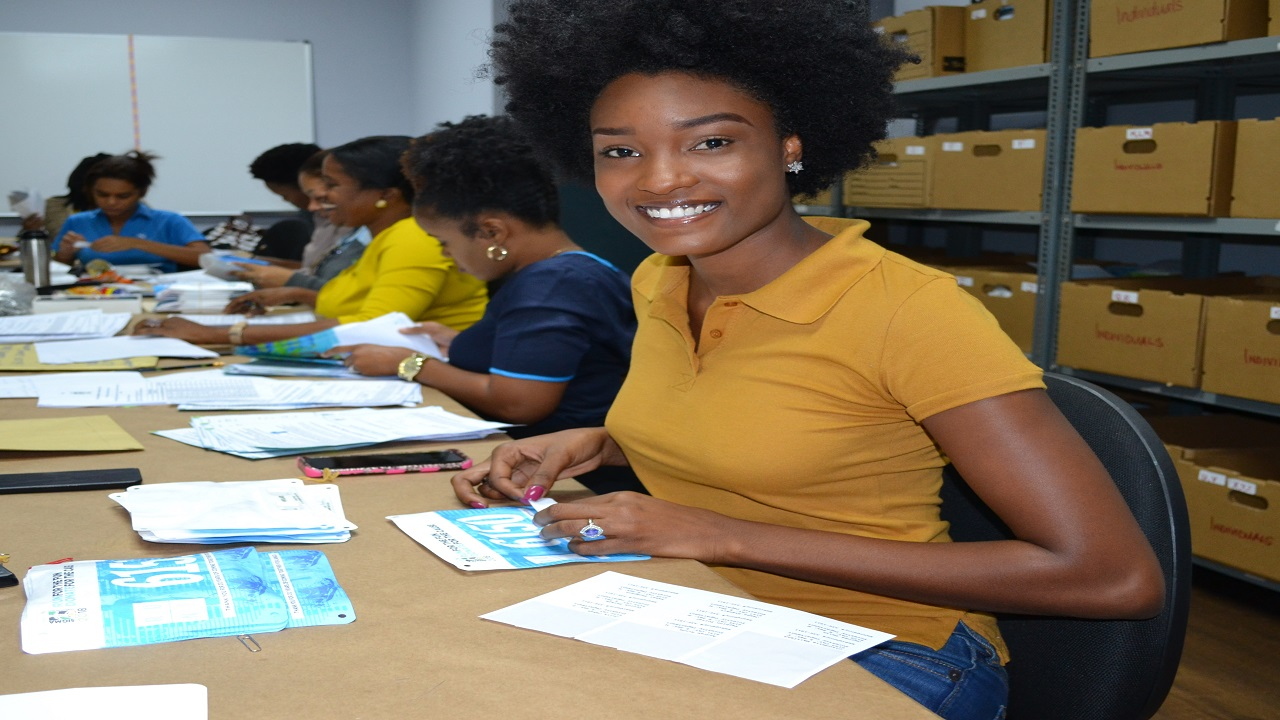 Among the volunteers is a famous face, beauty queen and Race Patron, Miss Jamaica Universe Davina Bennett, lending her support on some days to help with preparing race day packages.