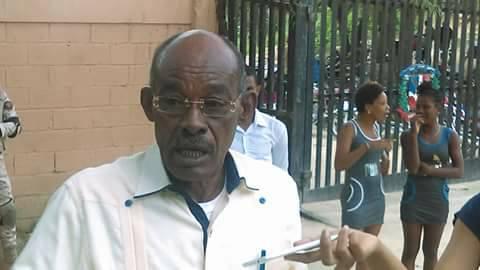 Le journal dominicain acento rappelle que le chef politique Andrés fait état d'autres chefs d'accusation pour des postes qu'il a déjà occupés dans le service extérieur dominicain.