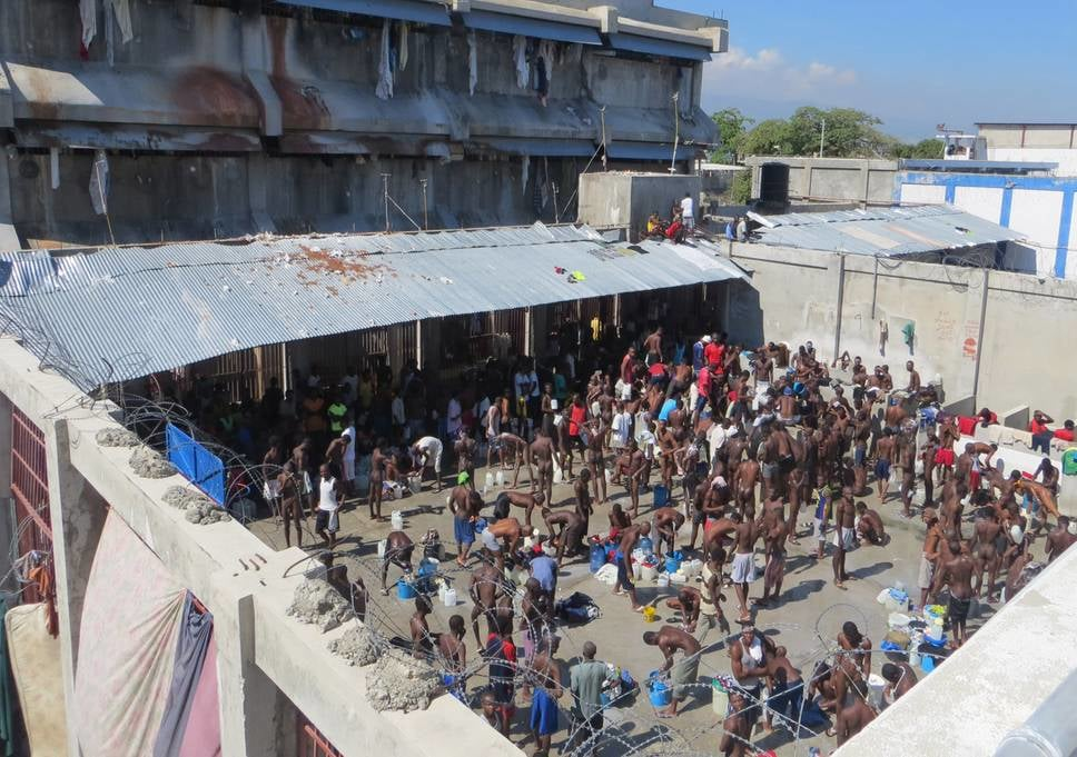 Des prisonniers au penitencier à Port-au-Prince/ Photo: EveningStandard