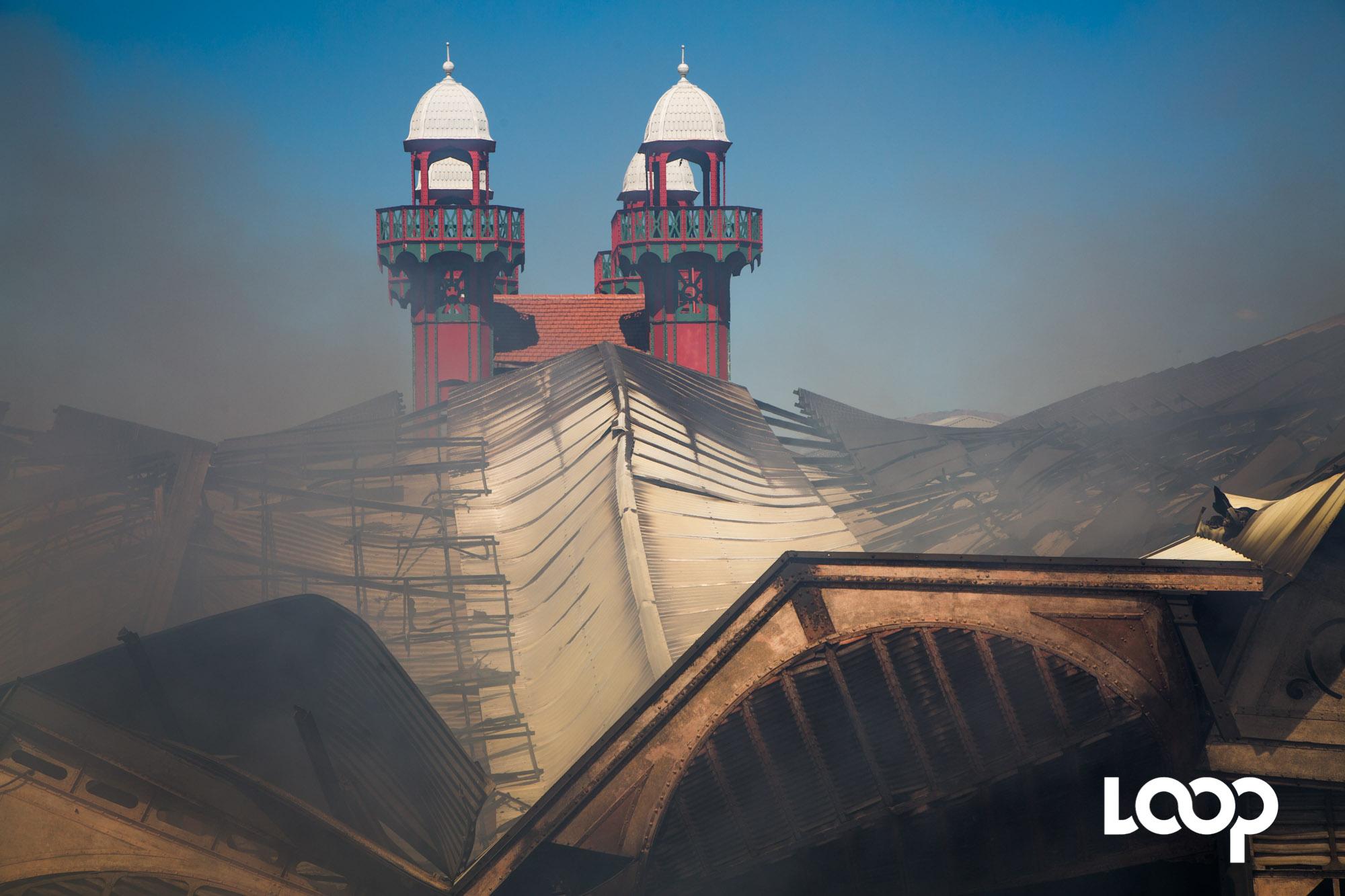 Incendie au Marché en Fer. Photo: Loop Haïti/Estailove St-Val