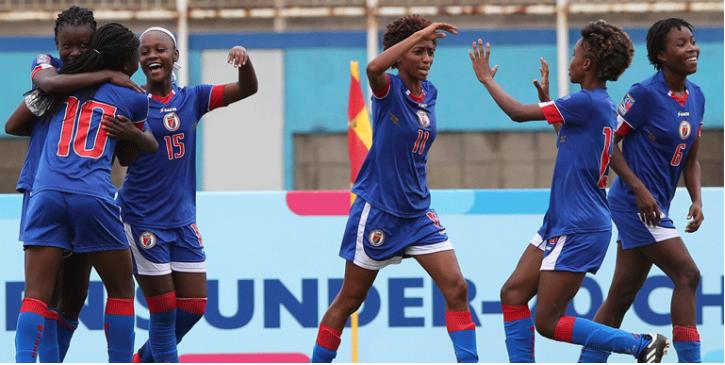 La sélection féminine haïtienne euphorique après la victoire de qualification contre le Canada. Photo: Facebook CONCACAF