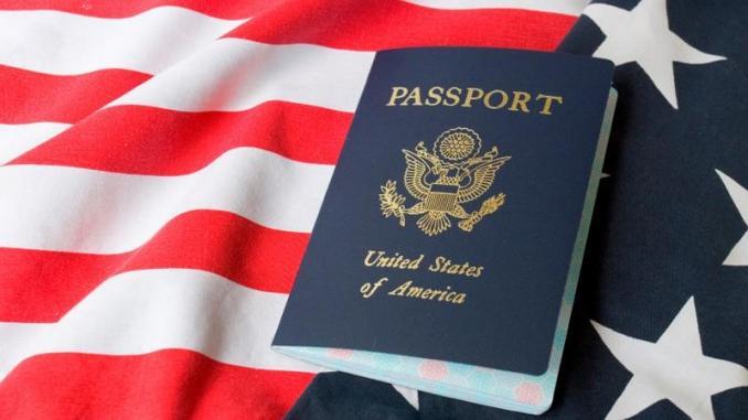 Passeport américain. Photo: Le360 Afrique