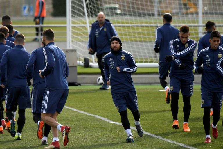 Lionel Messi s'est entraîné dimanche à Madrid avec la sélection argentine en prélude du match avec l'Espagne mardi.
